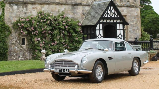 aston-martin-db5-james-bond-film-hamer